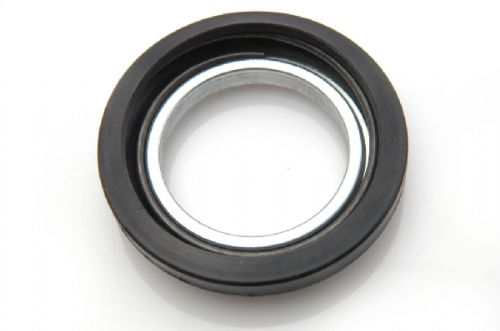 Oil seal for gearbox output shaft (in side housings)